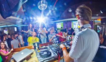 Resraurant  party bar Velvet